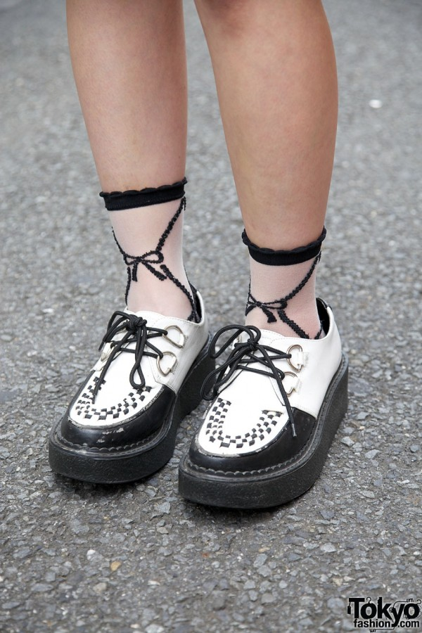 Embroidered socks & Gasp shoes