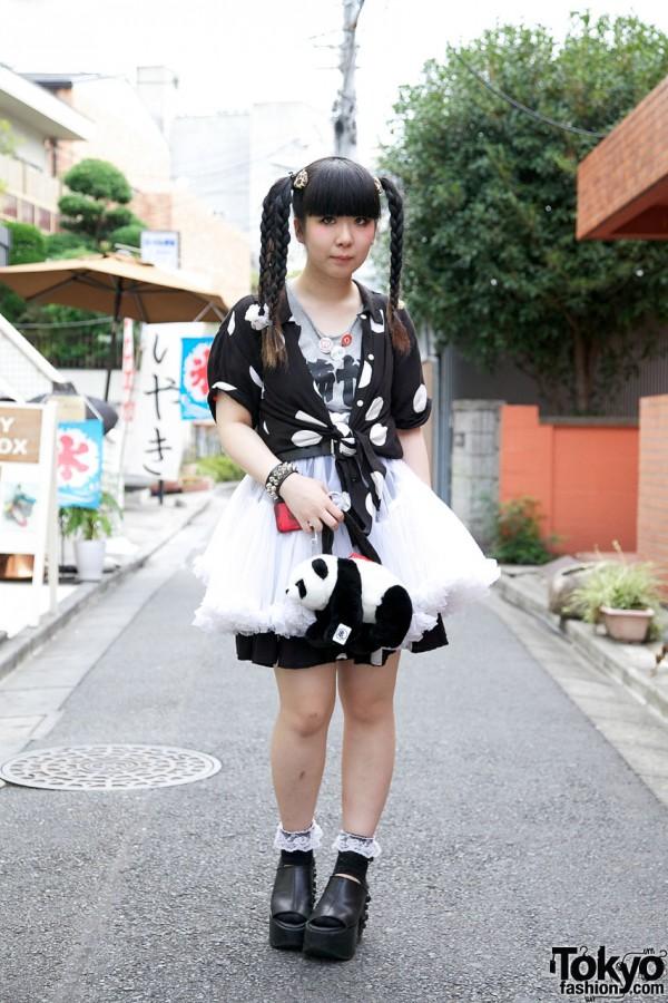 Himitsu Kessya Ririan w/ Braids-&-Bangs Hairstyle, Studded Platforms & Panda Bag