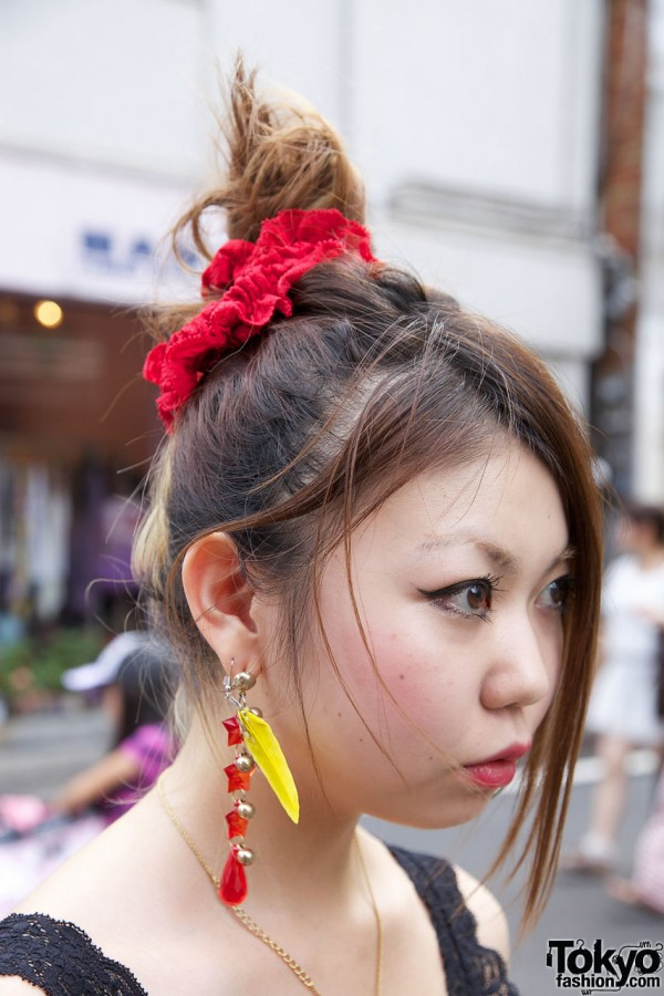 Red scrunchie, long earring & feather