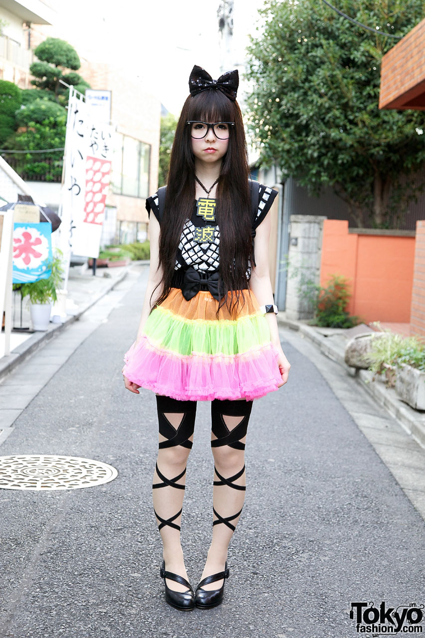 Cute Harajuku Girl W Big Hair Bow Colorful Tulle Skirt
