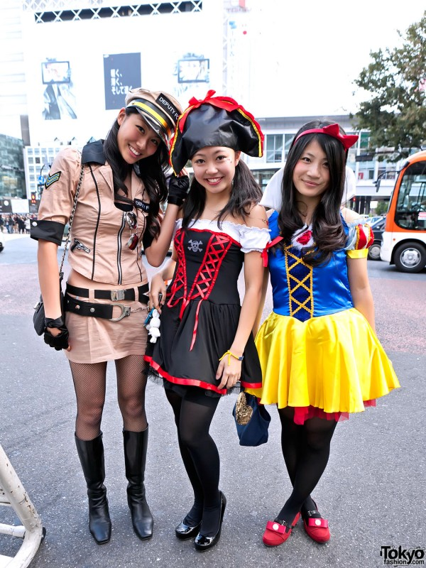 Japanese Girls in Cute Halloween Costumes