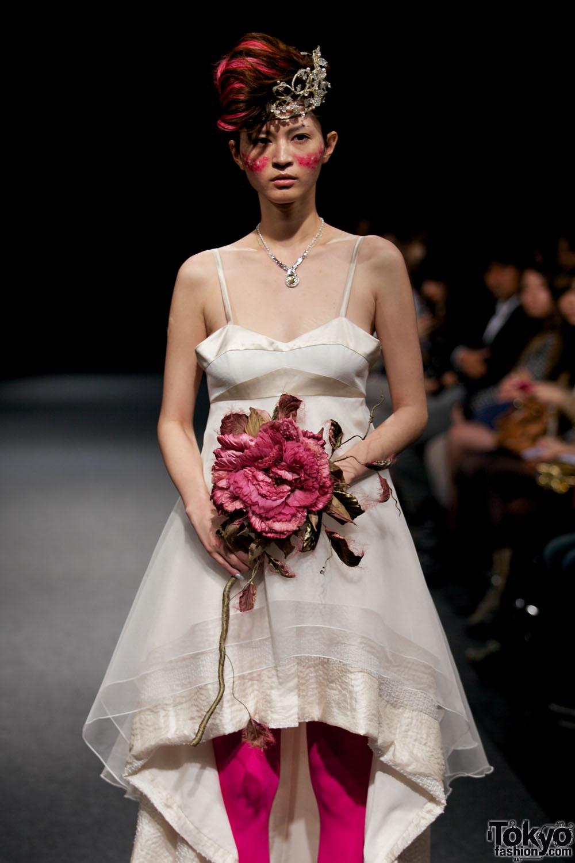 Самые ужасные свадебные платья 2