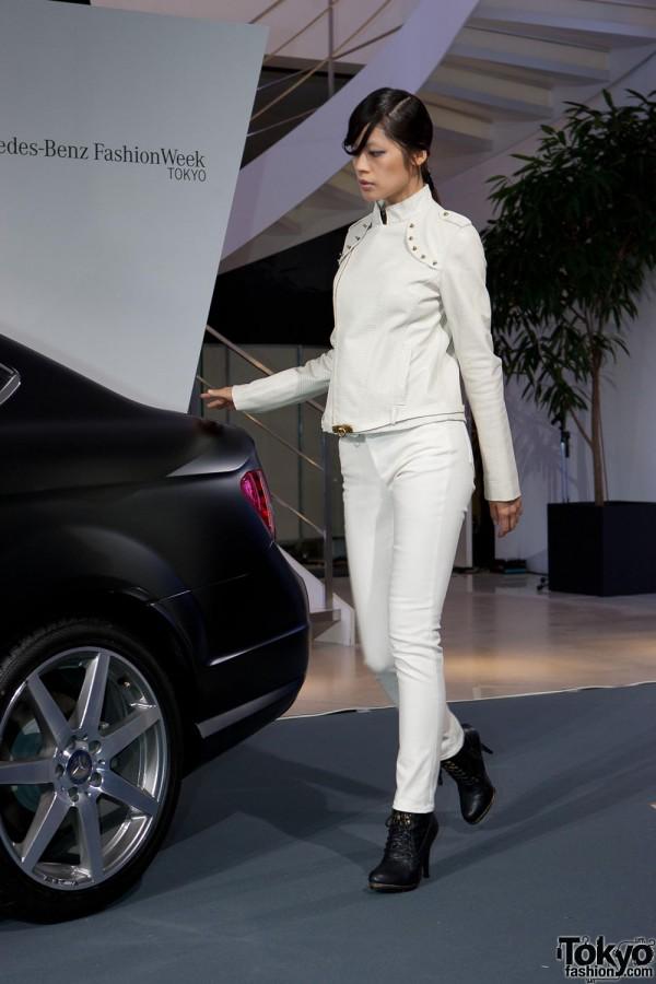 Mercedes-Benz C-Class Coupe Premier x Vantan (7)