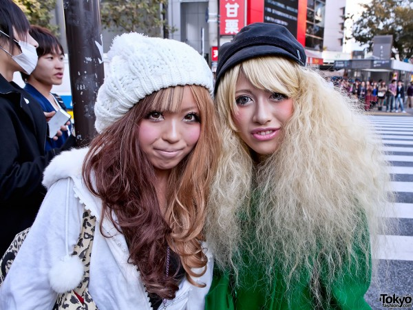 Two-Tone & Blonde Japanese Hairstyles