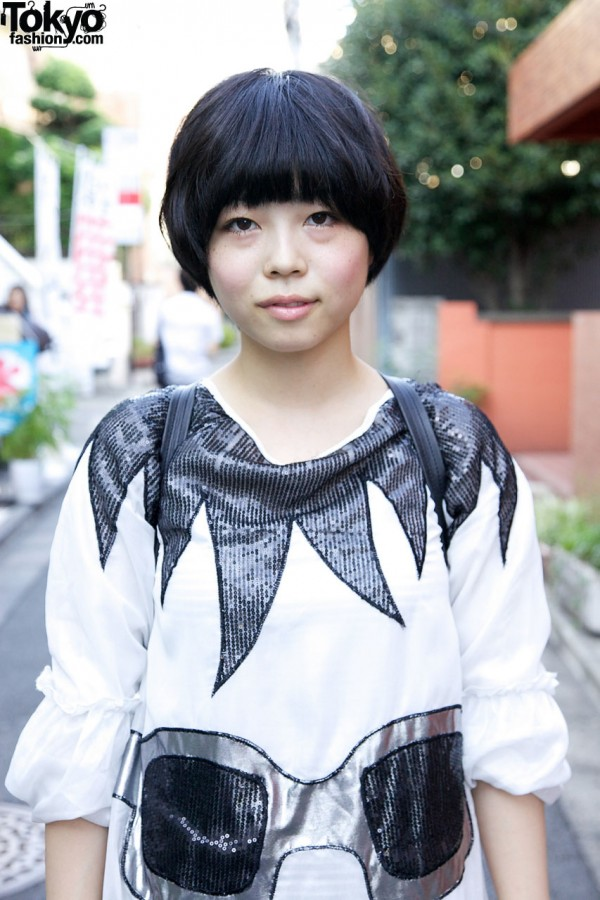 Black Bob Hairstyle in Harajuku