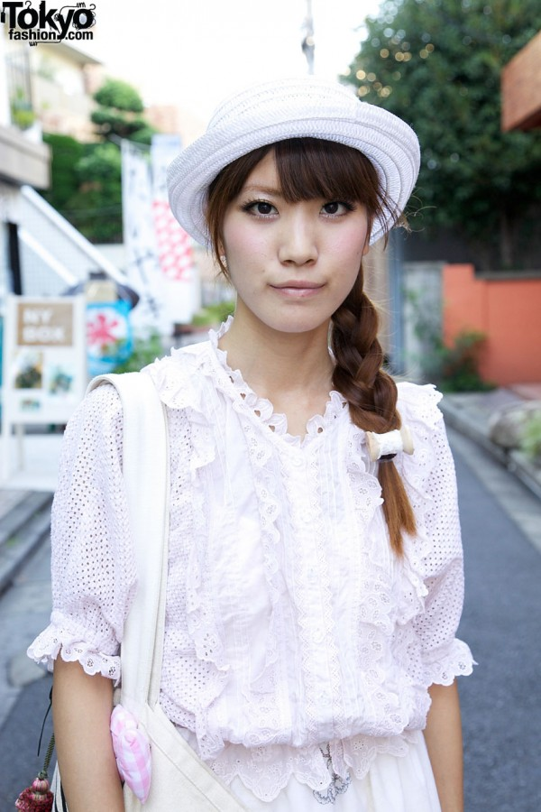 Harajuku girl w/ long braid & hat
