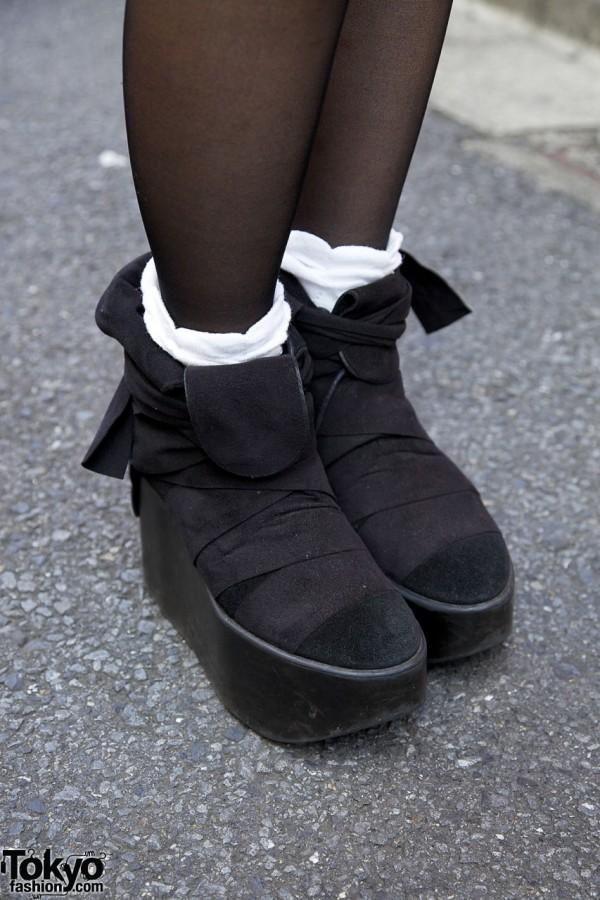 Black suede platform shoes in Harajuku