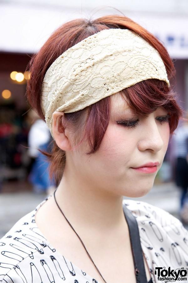 Auburn hair & wide lace headband in Harajuku