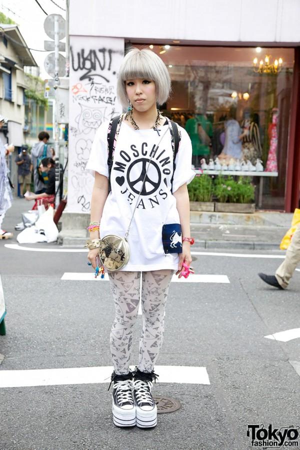 Moschino Top & Cute Tights in Harajuku