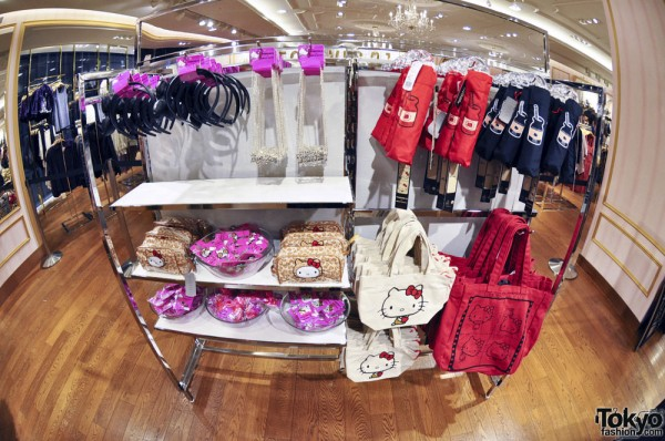 Hello Kitty x Forever 21 Shibuya (14)