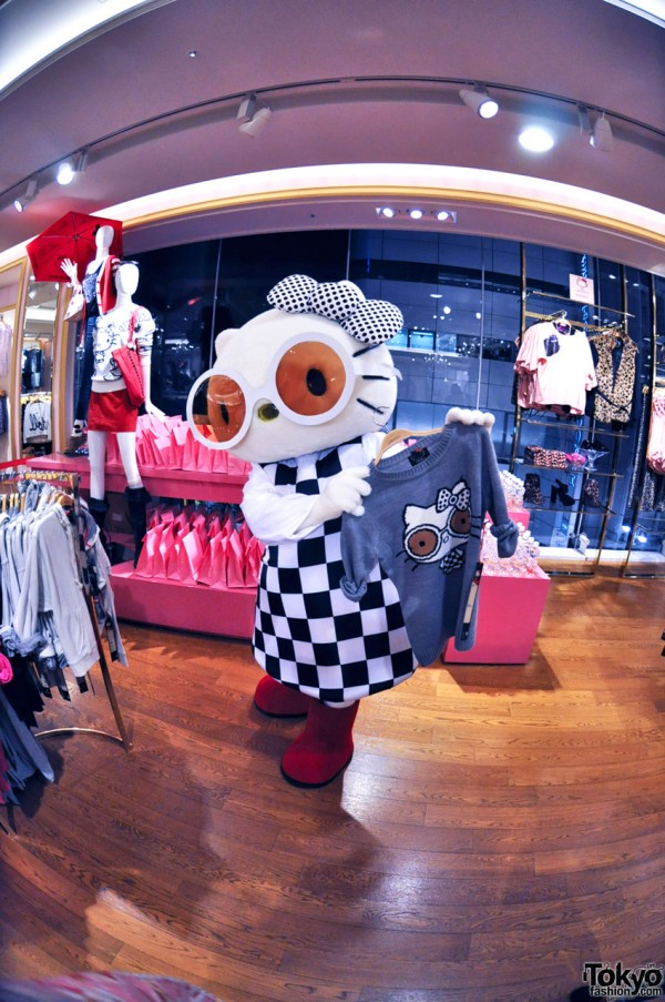 Hello Kitty x Forever 21 Shibuya (38)