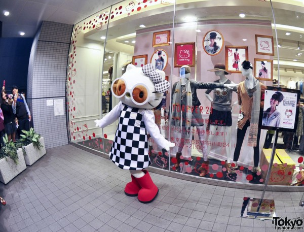 Hello Kitty x Forever 21 Shibuya (60)