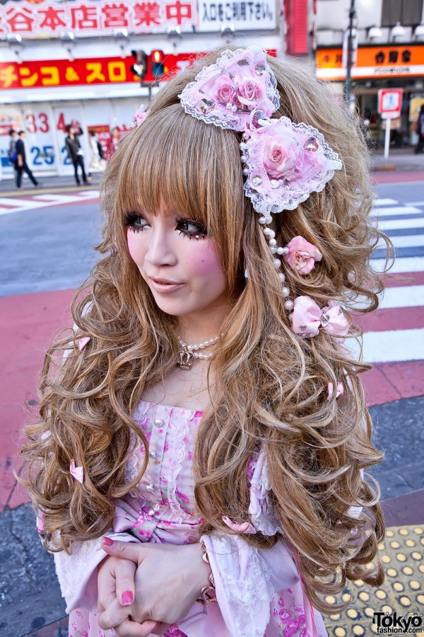 Japanese Hime Gyaru Hairstyle and Hair Bows