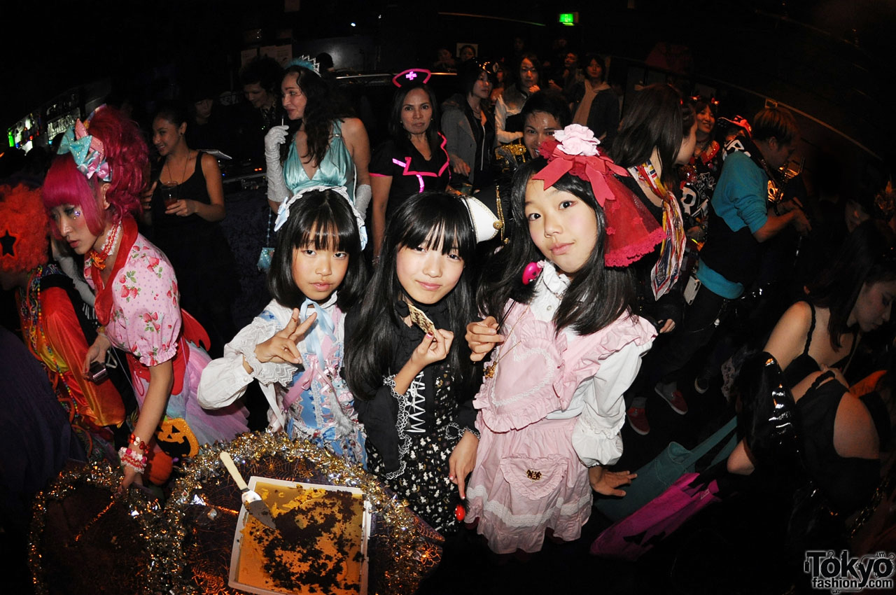 funtasy halloween night party in tokyo 5 - Halloween Night Party