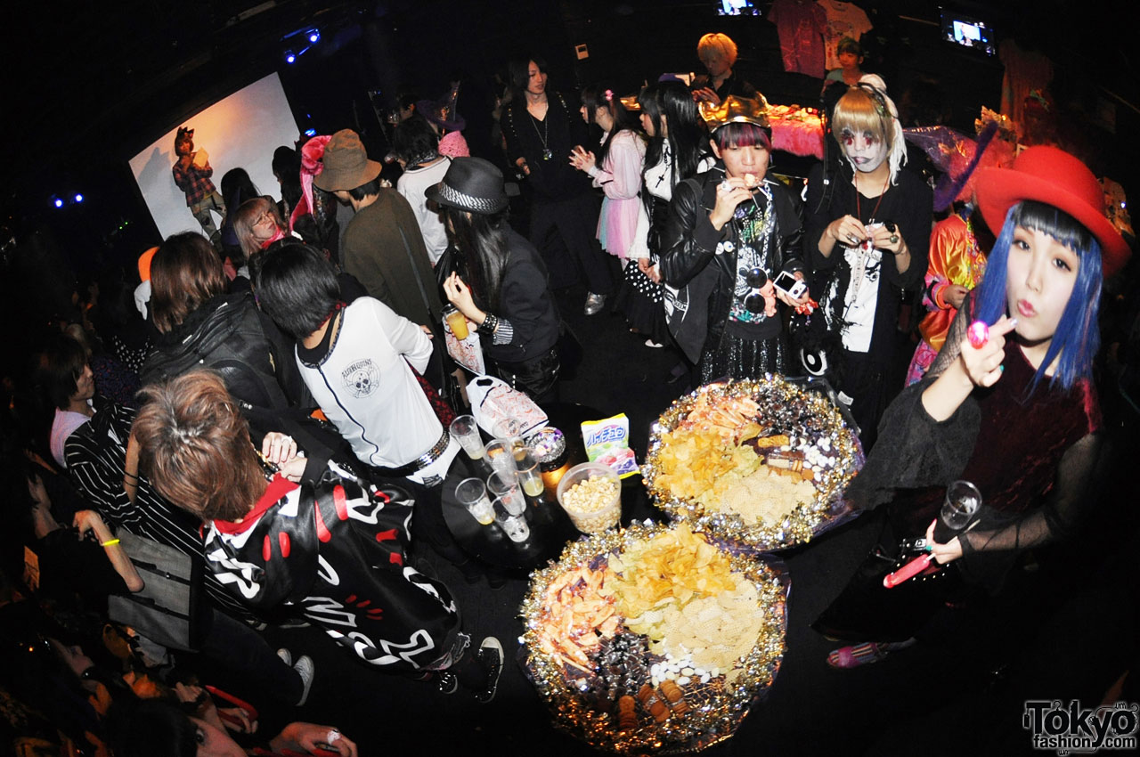 funtasy halloween night party in tokyo 12 - Halloween Night Party