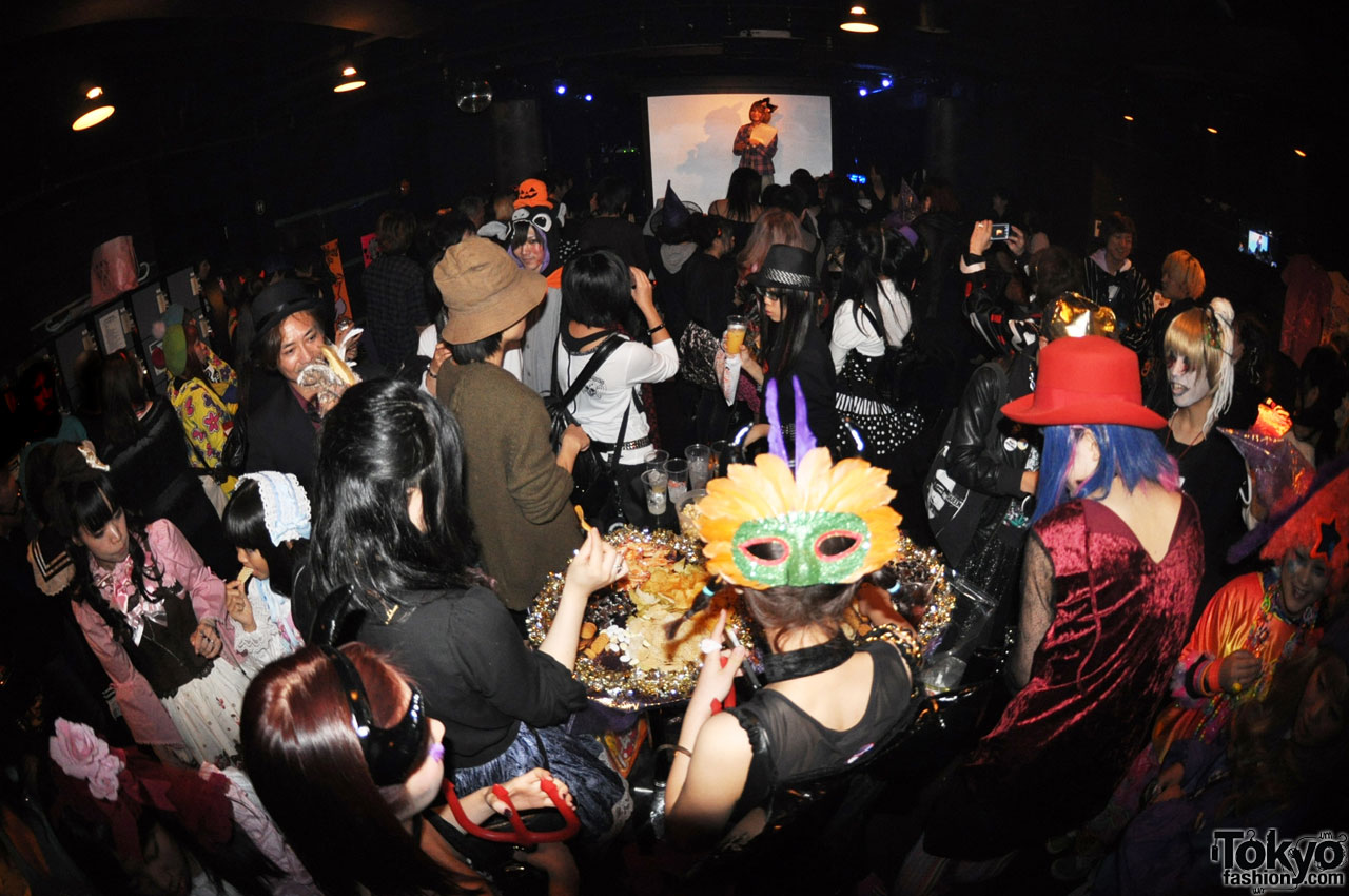 funtasy halloween night party in tokyo 13 - Halloween Night Party