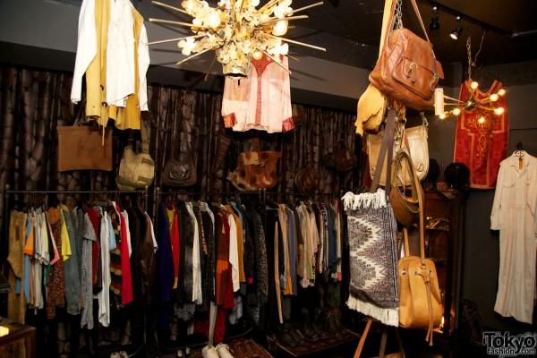 Qosmos Shibuya Vintage Boutique (2)