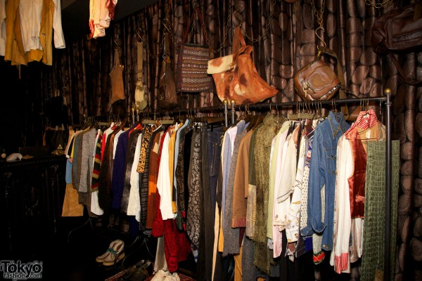 Qosmos Shibuya Vintage Boutique (3)