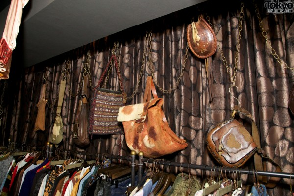 Qosmos Shibuya Vintage Boutique (5)