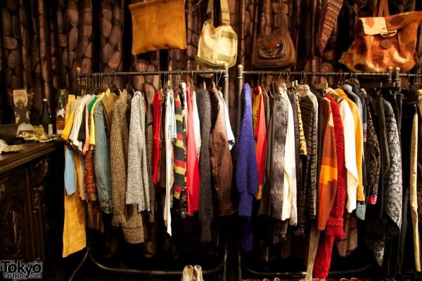Qosmos Shibuya Vintage Boutique (14)