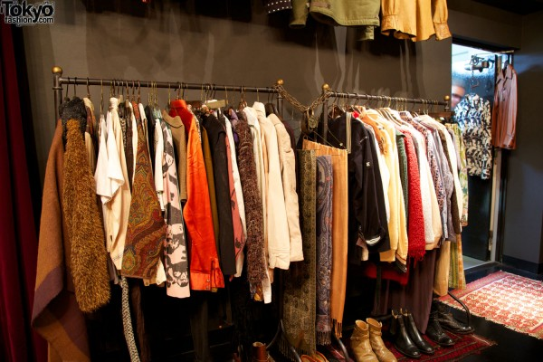 Qosmos Shibuya Vintage Boutique (15)
