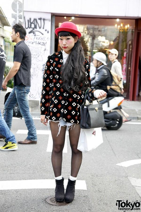 Cutoff Shorts & Stockings in Harajuku