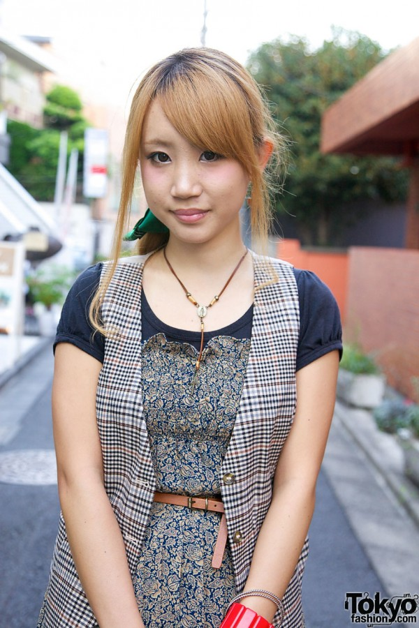 Cure girl with rosary-style necklace in Harajuku