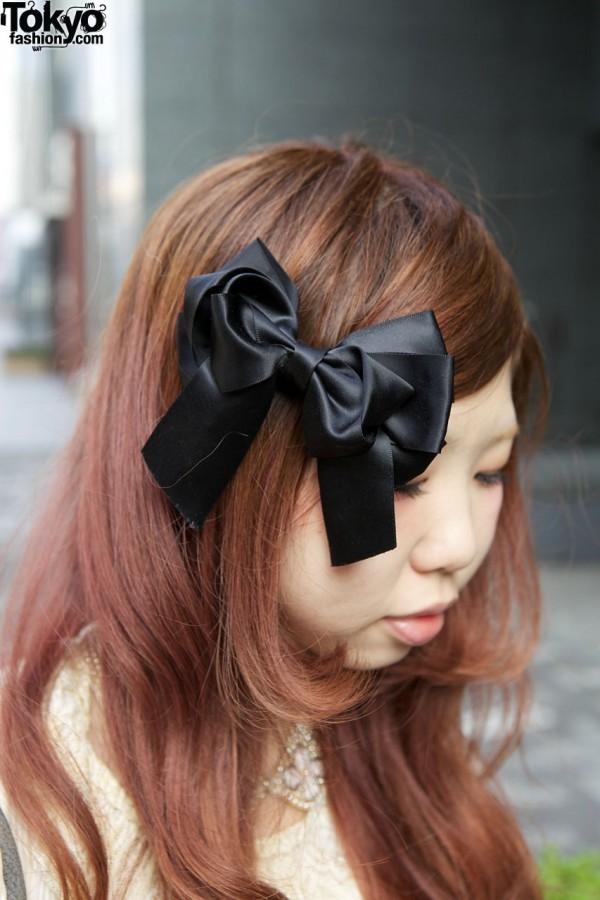 Black satin hair bow in Shinjuku