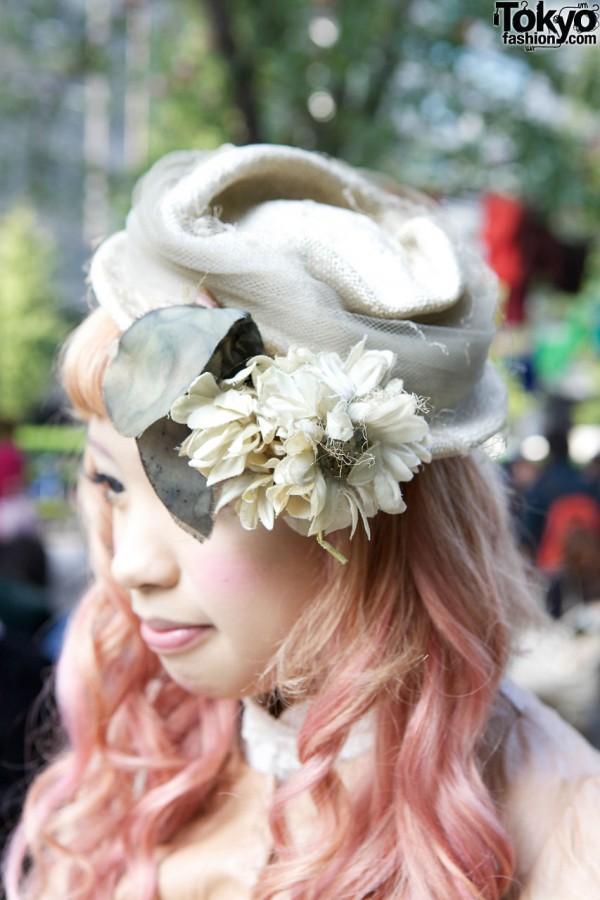 Vintage flowered hat in Shinjuku