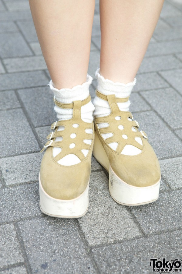 Tan platform shoes & white socks in Shinjuku