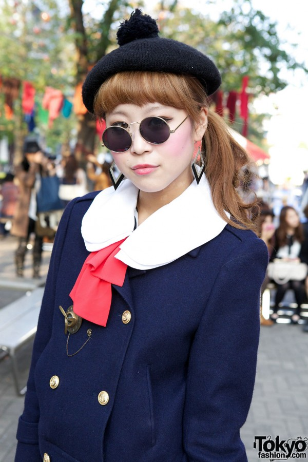 White collar, red bow & military jacket in Shinjuku