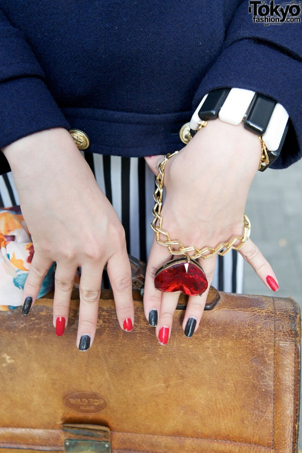 Two-tone nails & large heart pendant bracelet in Shinjuku