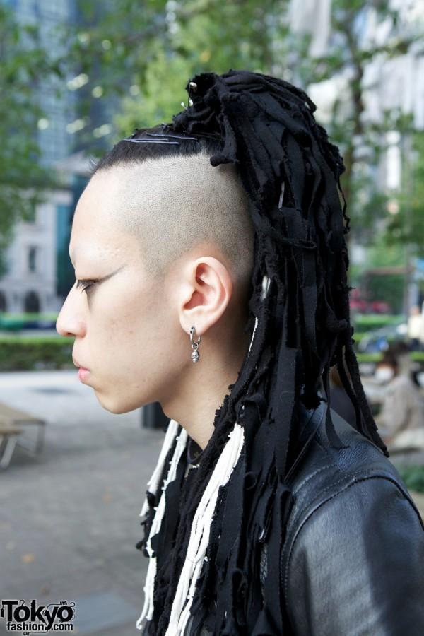 Hair Fals & Skull Earring in Tokyo