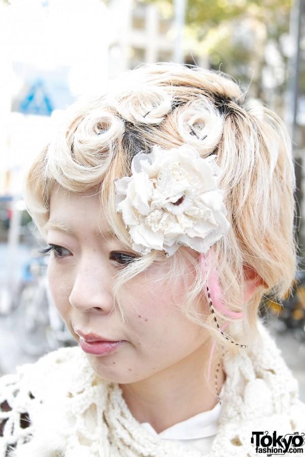 Short blonde hair & fabric flower in Harajuku