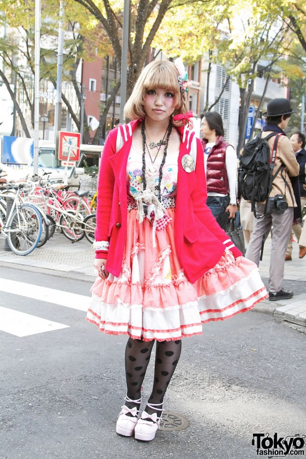Senon's Red Sweater & Retro Skirt in Harajuku