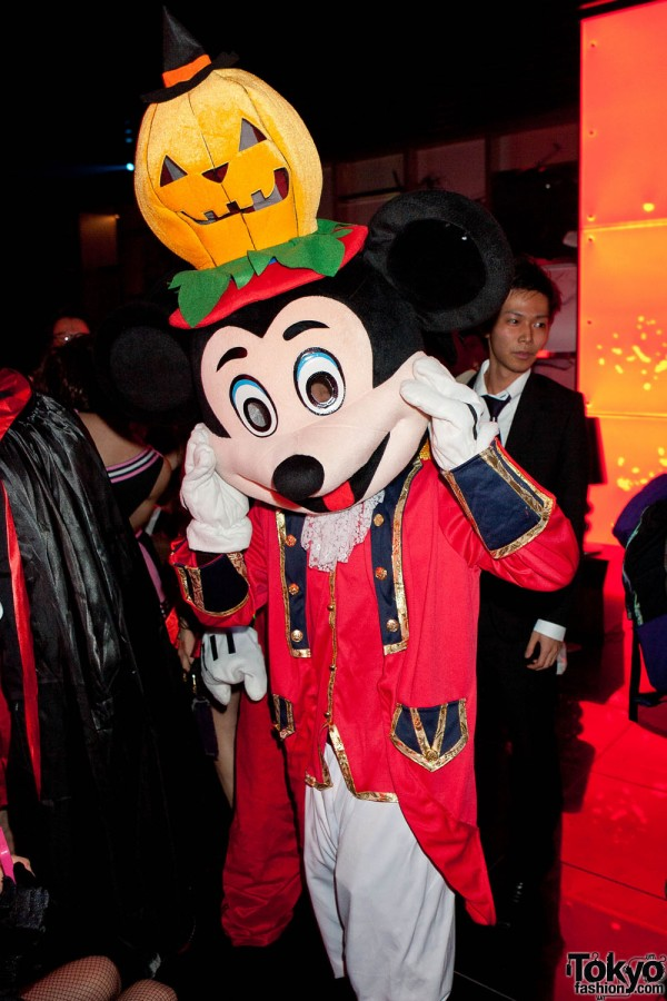 Tokyo Halloween Party by American Apparel (61)
