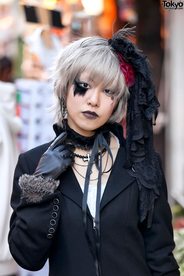Japanese Girl With Gothic Hair & Makeup in Harajuku