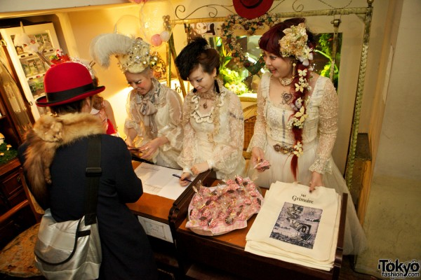 Grimoire Tokyo Dolly Kei Christmas (7)