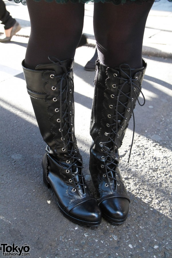 Queen Bee Boots on Harajuku Lolita