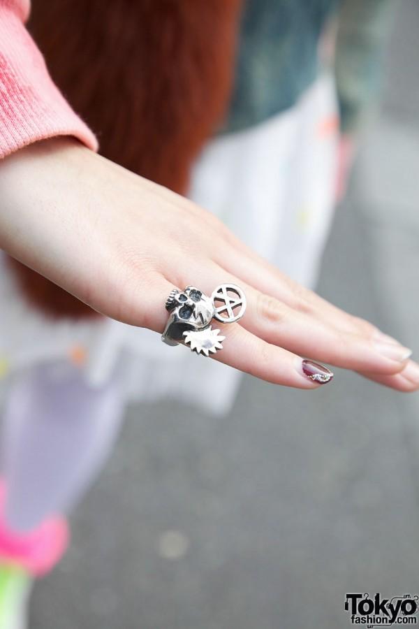 Alick Black silver skull ring in Harajuku