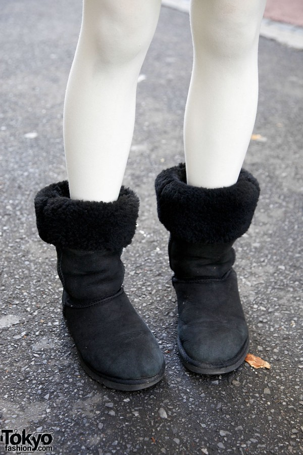 White tights & fur-trimmed boots in Harajuku
