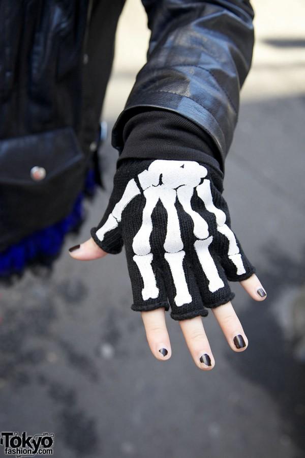 Skeleton fingerless gloves in Harajuku