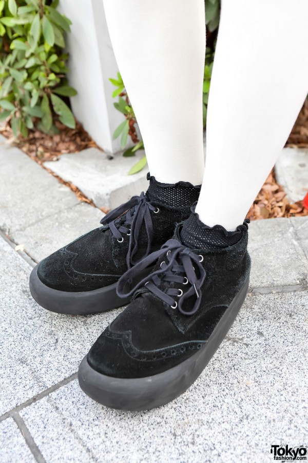 Belly Button Platform Chukka Boots