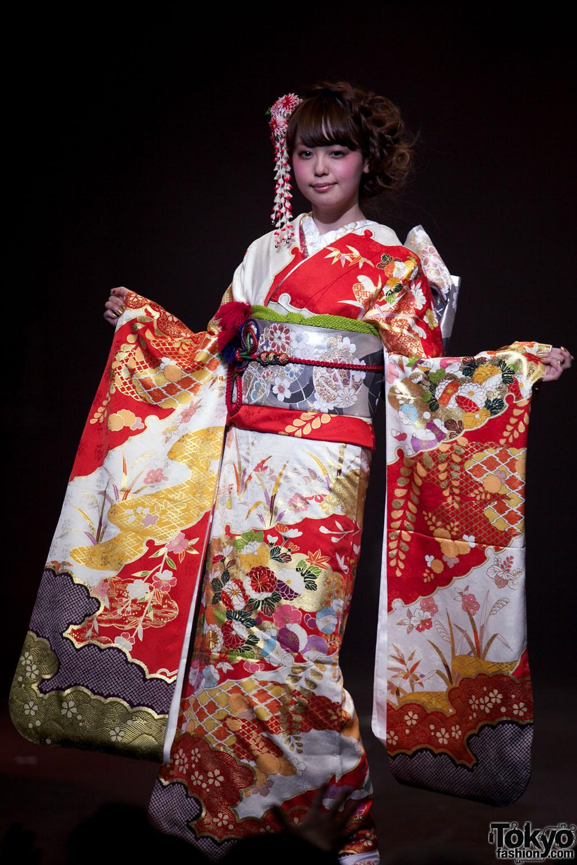 An adorable young geisha with 2 men mk - 4 2