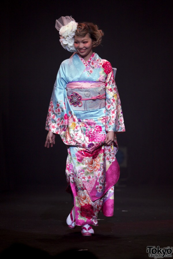 Kimono Fashion Show at Harajuku Kawaii