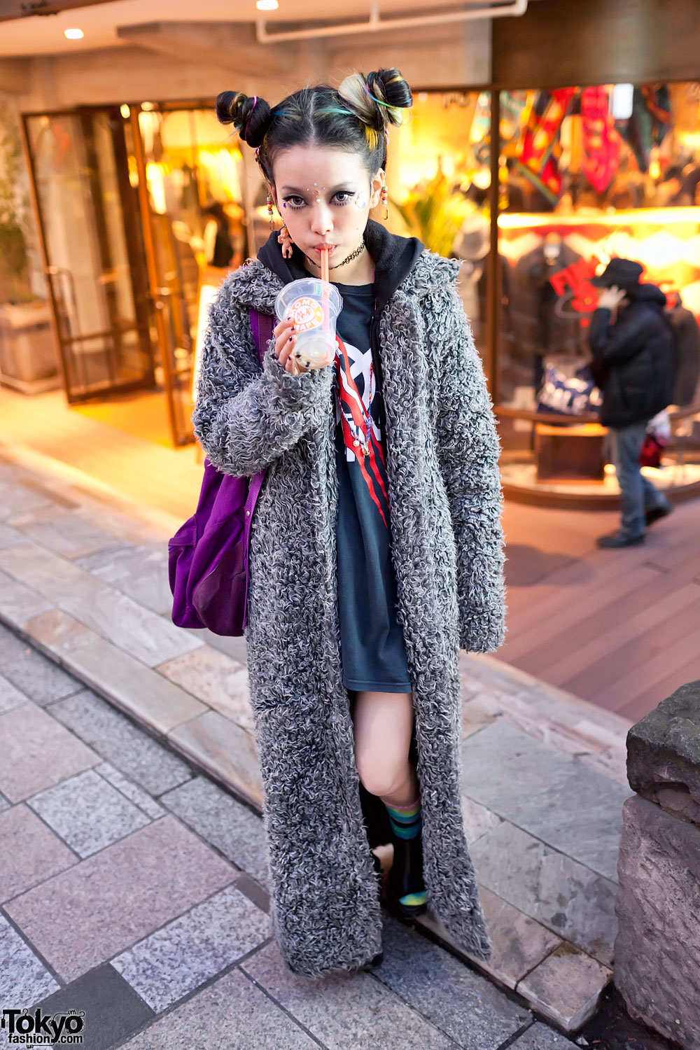 Hirari Ikeda In Harajuku W Long Coat Colorful Double Bun Hairstyle