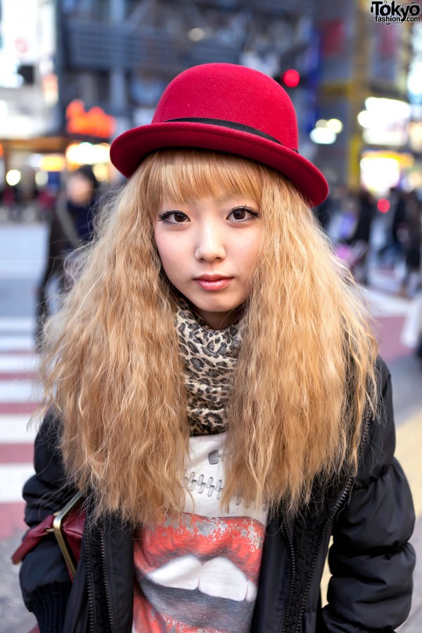 Red Bowler Hat & Blonde Hair in Shibuya