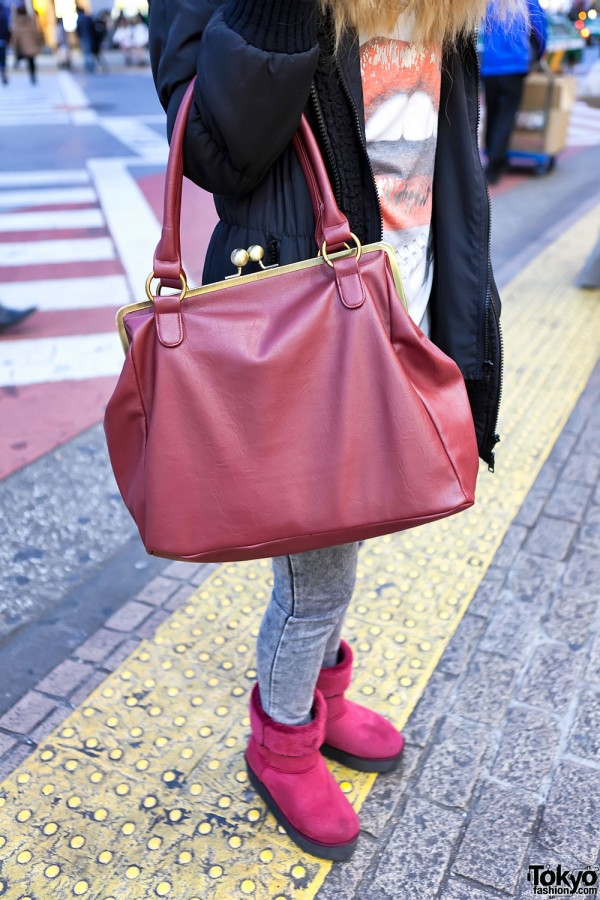 Red Clasp Purse & Mouton Boots