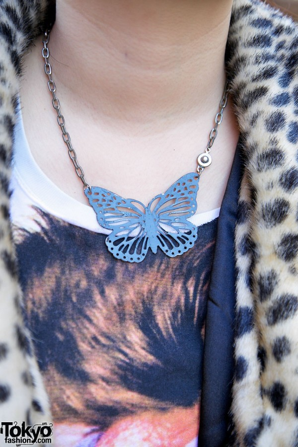Butterfly pendant necklace in Harajuku