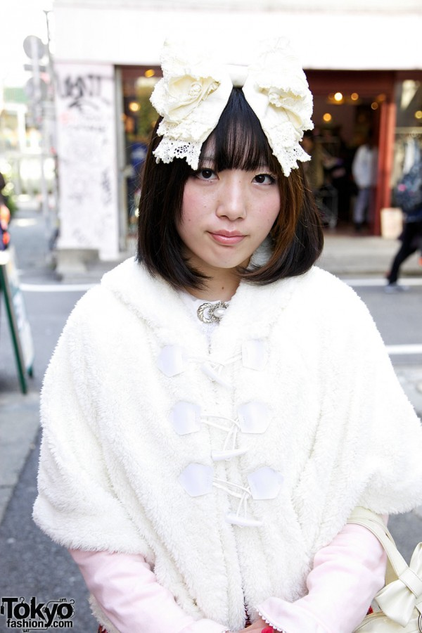 Harajuku Lolita's Big Hair Bow